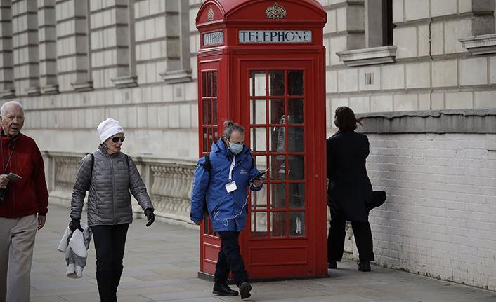 İngiltere'de son 24 saatte 27 bin 429 vaka