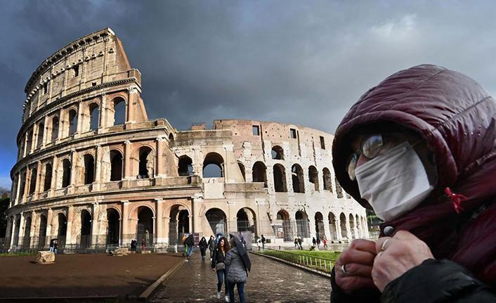 İtalya'da son 24 saatte 6 bin 596 yeni vaka